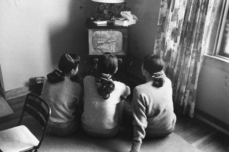 people-watching-tv-18
